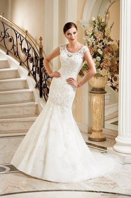 7d49f2c582 50 sukni ślubnych idealnych do Twojego typu sylwetki - Wedding.pl