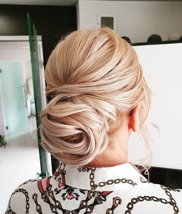 fryzury na wesele - koki