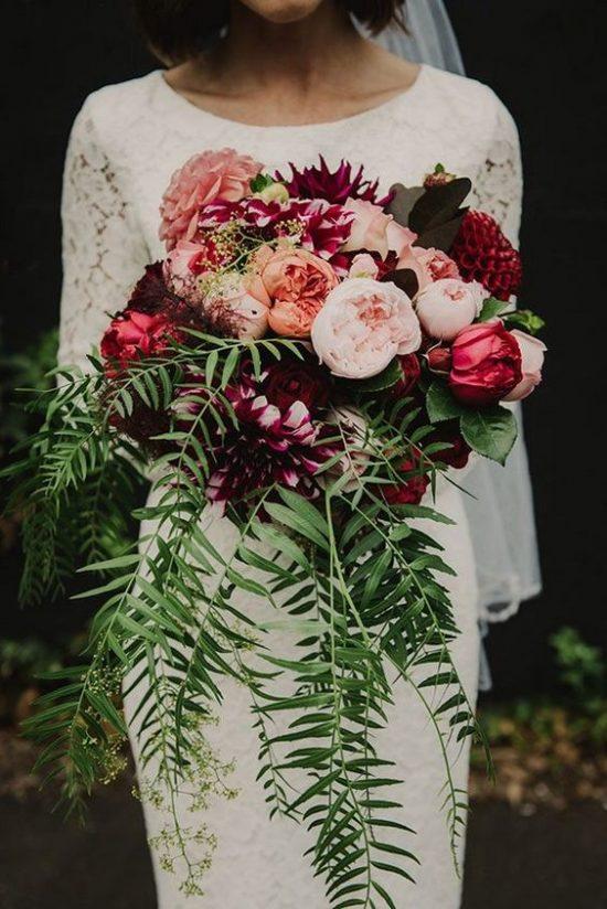 Bordowe bukiety ślubne - zdjęcie 4