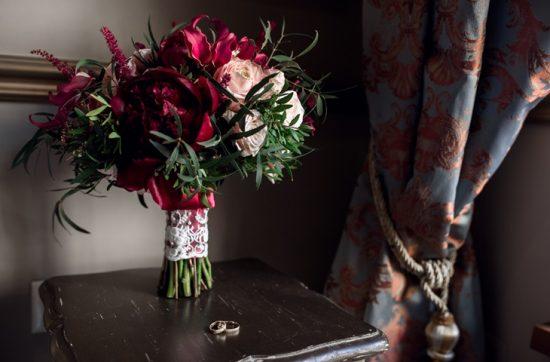 Bordowe bukiety ślubne - zdjęcie 6