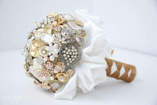 bukiet z biżuterii
