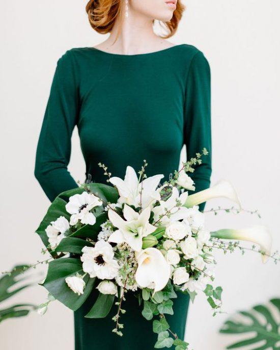 Bukiety ślubne 2018 - nietypowe kwiaty i liście