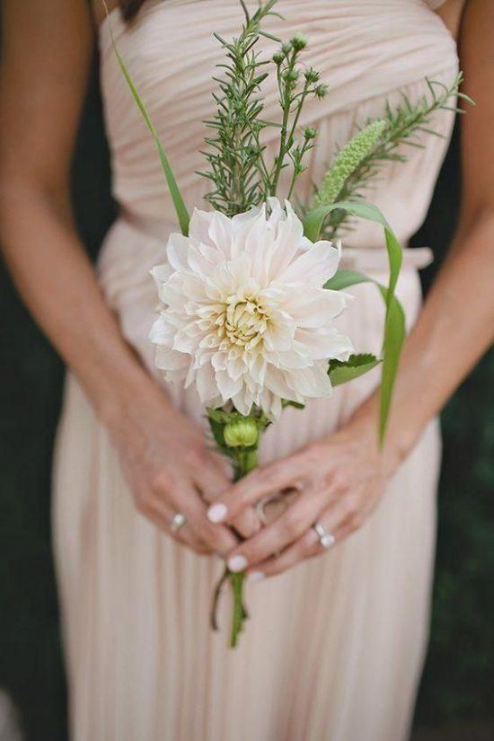 Bukiety ślubne 2019 - minimalistyczne wiązanki