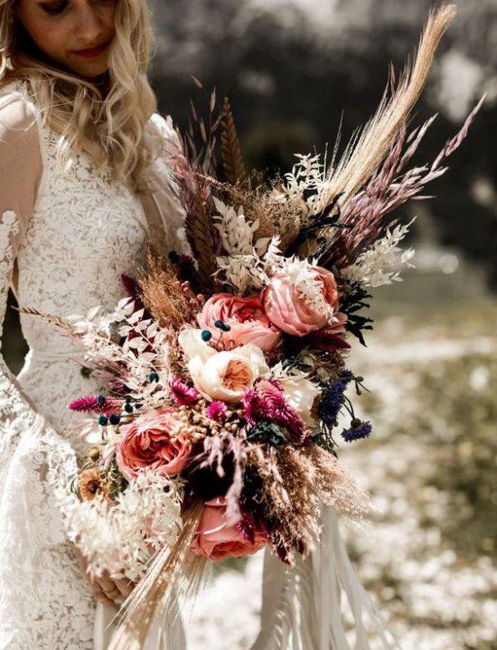 Trawy w kwiatach ślubnych