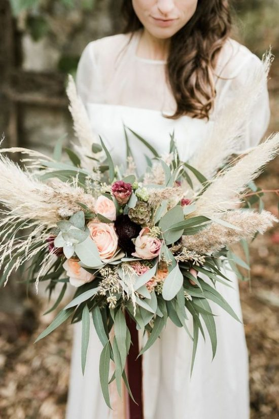 Trawy w bukiecie ślubnym