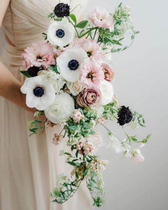 Kaskadowe wiązanki ślubne