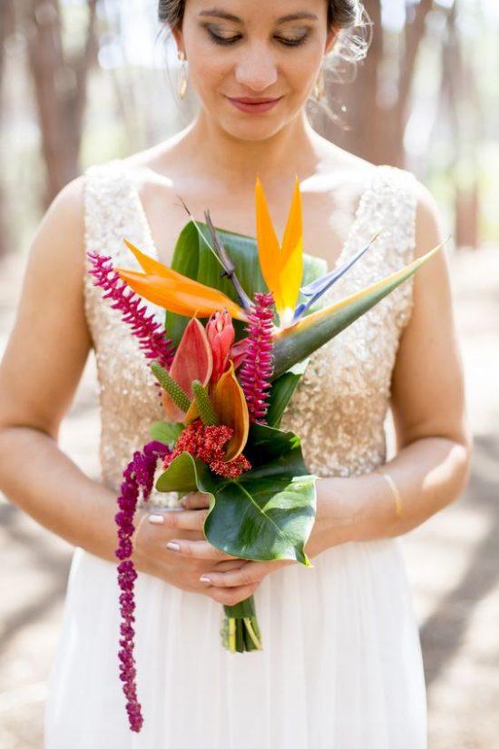 Bukiet ślubny z egzotycznymi kwiatami