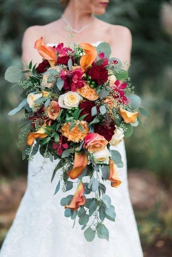 Wiązanka ślubna typu kaskada