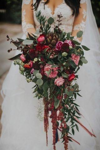Bukiet ślubny typu kaskada