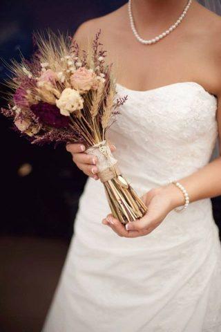 Bukiety ślubne w stylu rustykalnym - zdjęcie 4