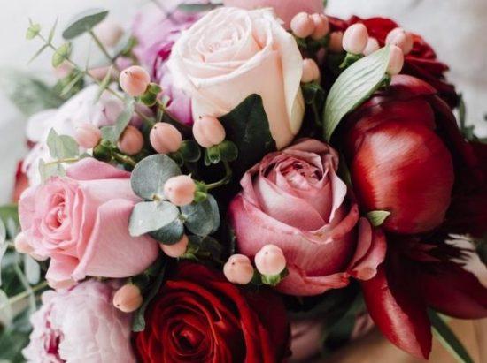 Bukiety ślubne z czerwonych róż