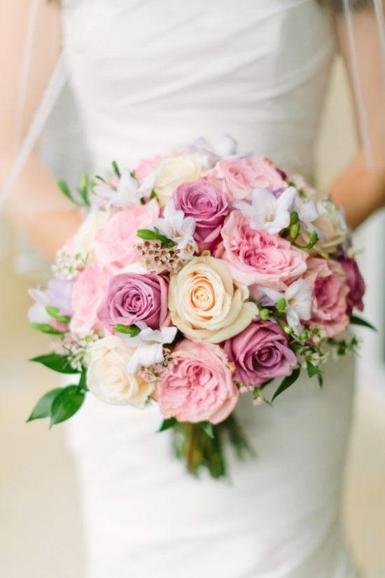 bukiet ślubny a pora roku