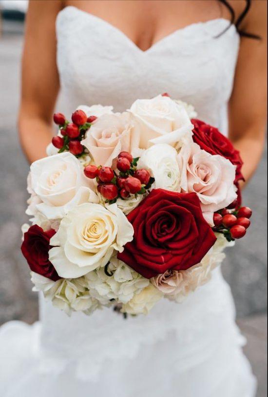 wybór kwiatów ślubnych