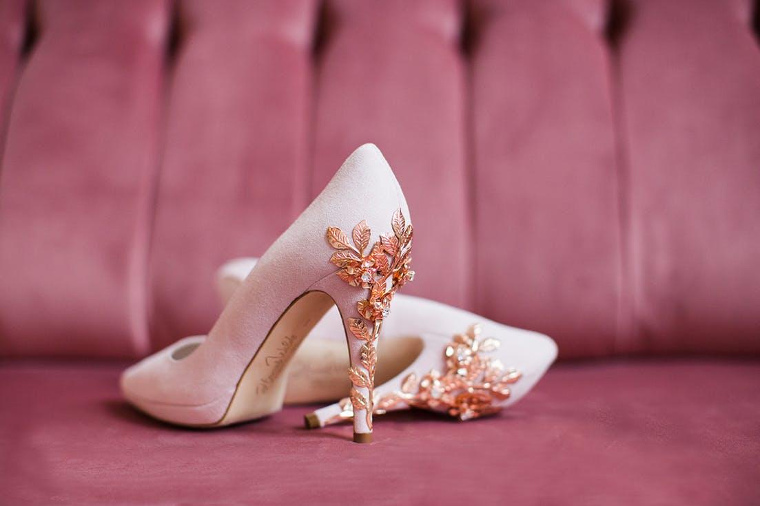 buty ślubne w kolorze