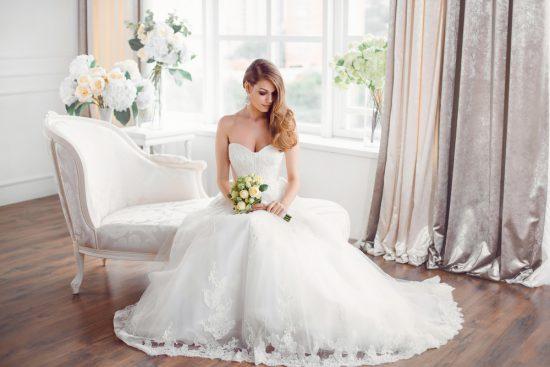 ciężka suknia ślubna - zdjęcie 2