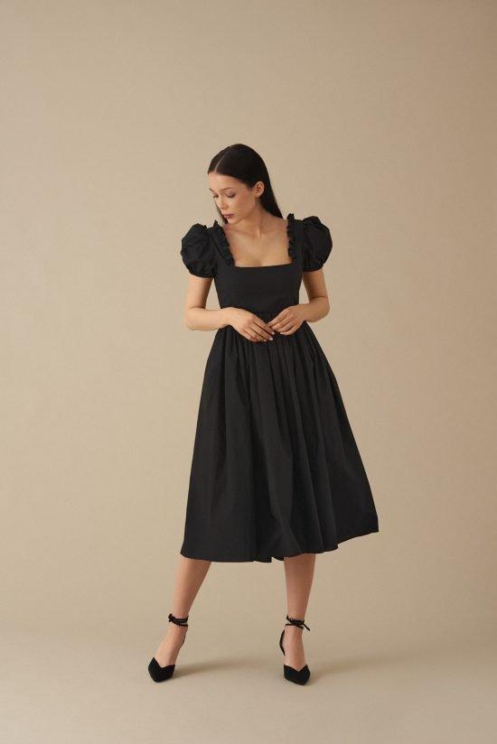elegancka czarna sukienka na wesele