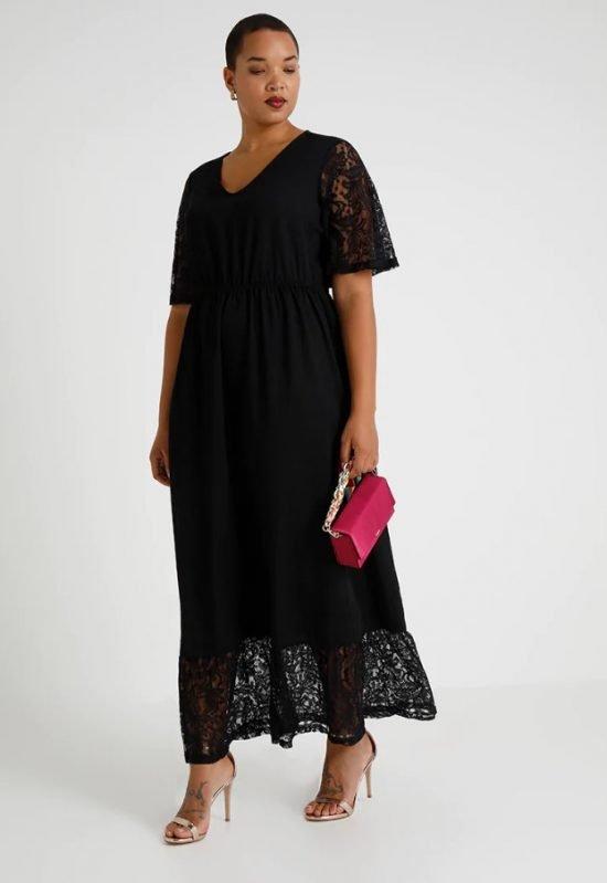 czarna sukienka na wesele plus size z koronki