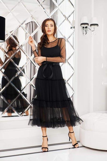 sukienka mała czarna na wesele