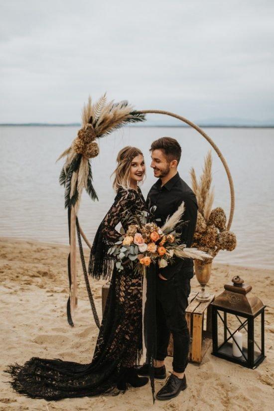 Czarna suknia ślubna - sesja
