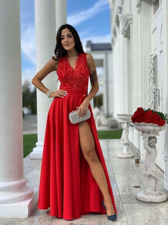 czerwona sukienka na wesele stylizacje