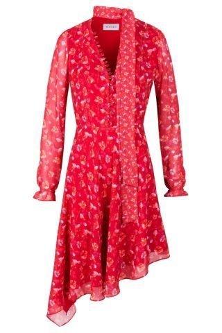 Czerwona sukienka na wesele w kwiatowe wzory