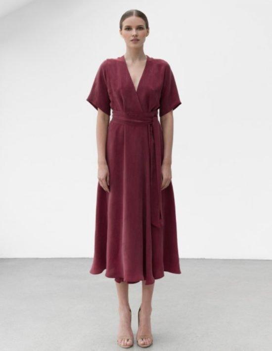 Czerwona sukienka na wesele bordo