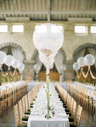 Dekoracje weselne i ślubne z balonów – pomysły