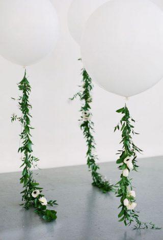 Dekoracje weselne z balonów i liści