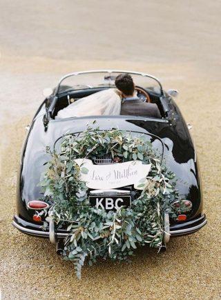 Klasyczna Dekoracja samochodu do ślubu