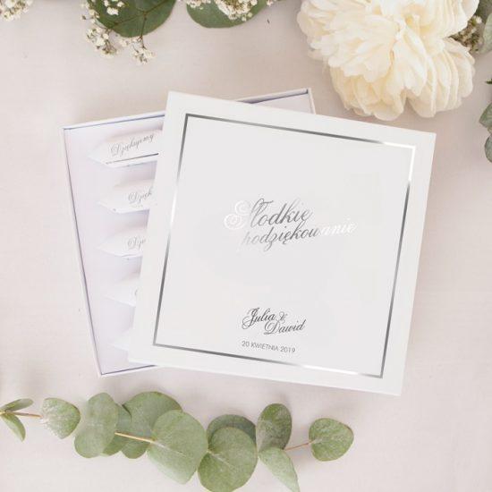 Srebrne dekoracje weselne - słodkie podziękowanie
