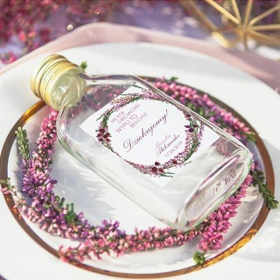 Dekoracje weselne z wrzosami - upominek dla gości