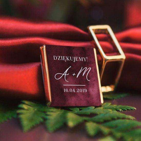 Bordowe dekoracje weselne - czekoladki