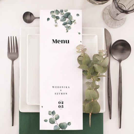 Dekoracje weselne z eukaliptusem - nakrycie stołu