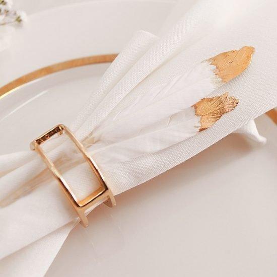 Dekoracje weselne w bieli i złocie - serwetka