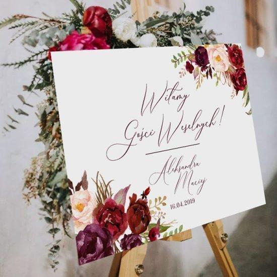 Bordowe dekoracje weselne - tablica powitalna