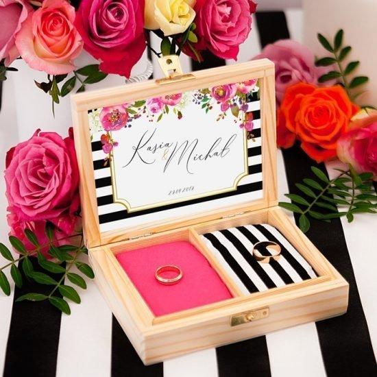 Nowoczesne dekoracje weselne - pudełko na obrączki