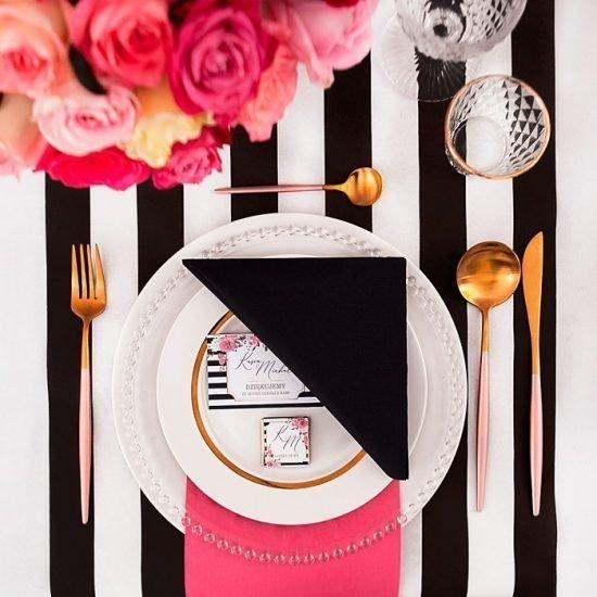 Nowoczesne dekoracje weselne - stół