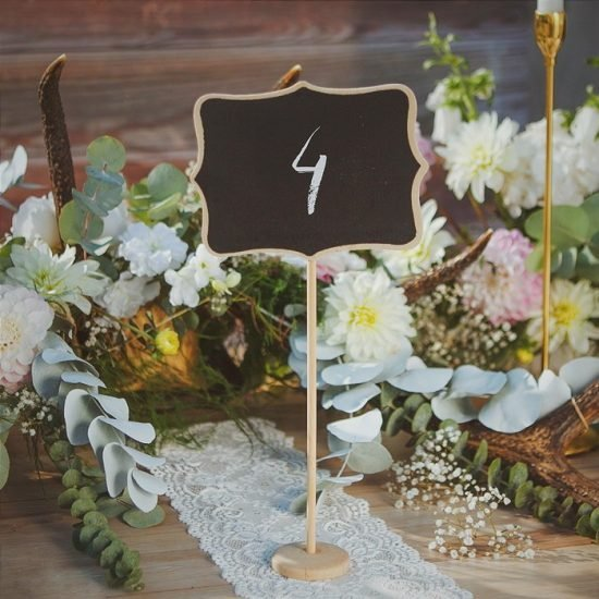 Dekoracje weselne w stylu boho - numer stołu