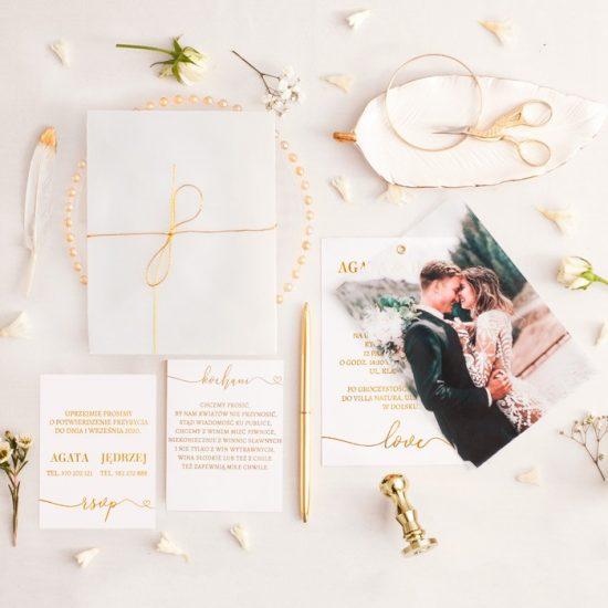 Dekoracje weselne w bieli i złocie - dodatki