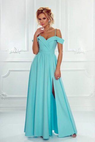 turkusowa sukienka z dekoltem carmen