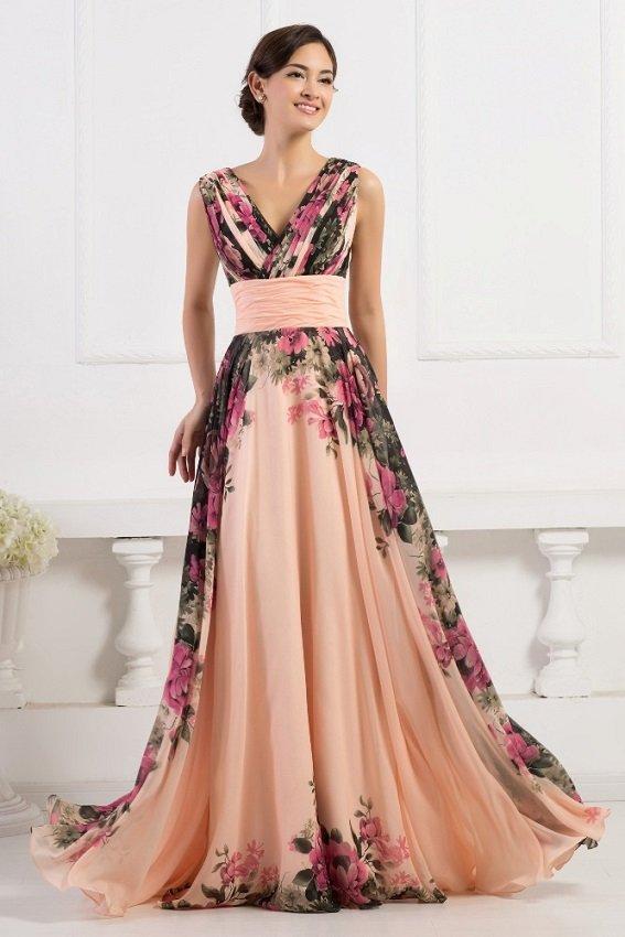 długa sukienka w kwiaty na wesele