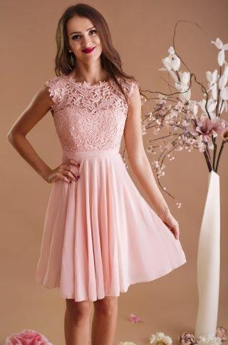 różowa sukienka na wesele