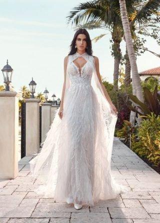 suknia ślubna z peleryną