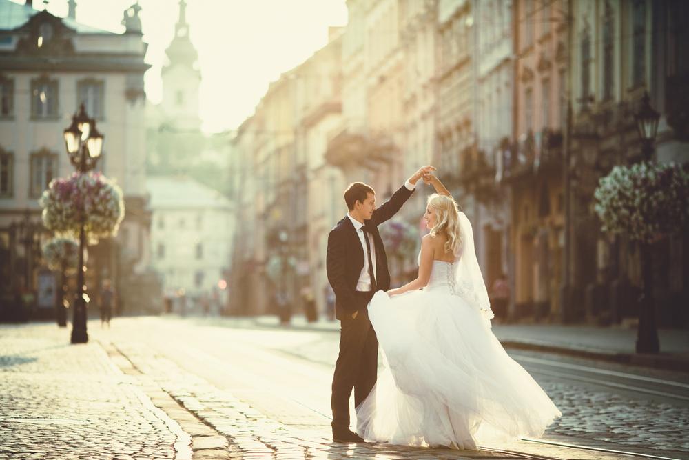 Dwie suknie ślubne - zdjęcie 4