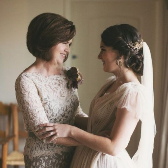 Fryzury ślubne dla mamy Panny Młodej i Pana Młodego