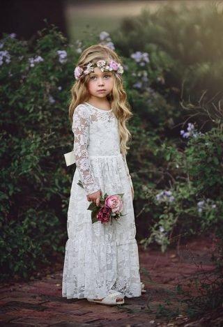 Fryzury na wesele dla dziewczynek - fale