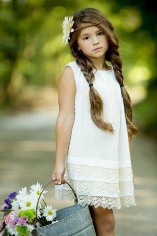 Fryzury na wesele dla dziewczynek - dwa warkocze