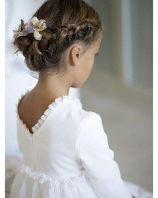 Fryzury na wesele dla dziewczynek - korona z włosów