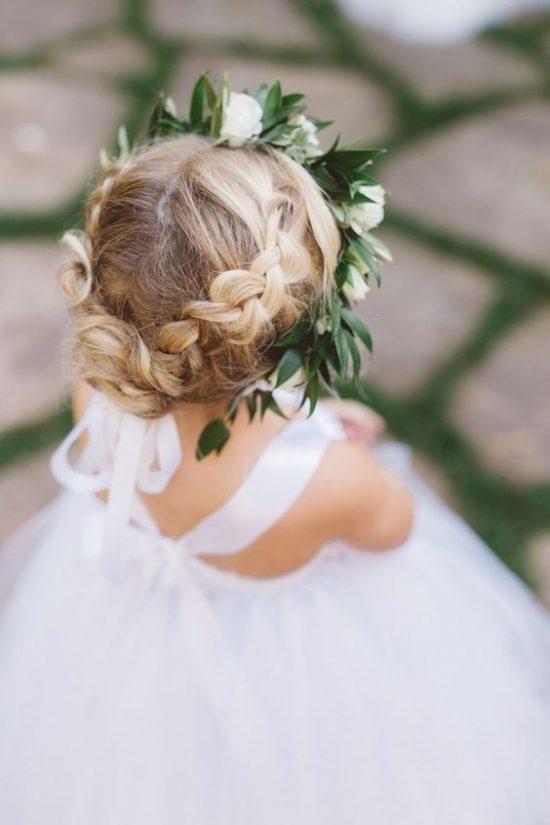 Fryzury na wesele dla dziewczynek - zdjęcie 17