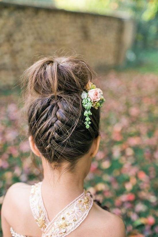 Fryzury na wesele dla dziewczynek - zdjęcie 1